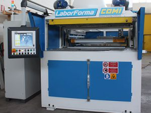 machines thermoformage comi DPS Composites