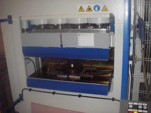 presse compression polyuréthane DPS Composites